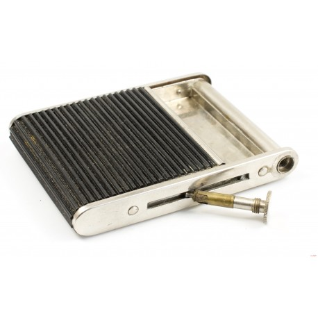 Roll-Lite Cigarette Case with Striker